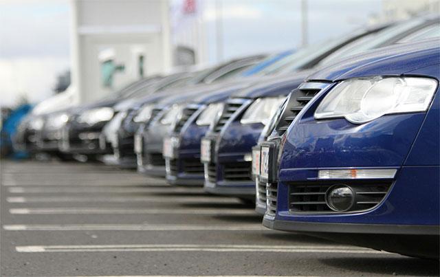 sprzedaż aut